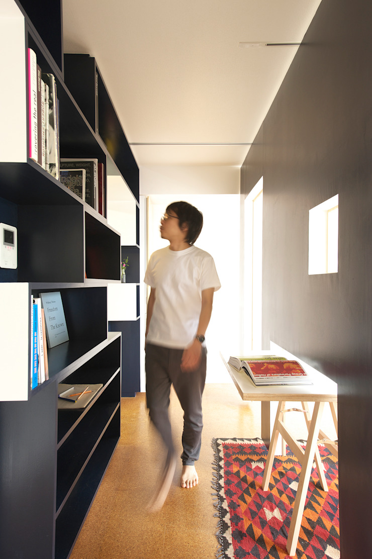 SWITCH apartment Estudios y despachos modernos de YUKO SHIBATA ARCHITECTS Moderno