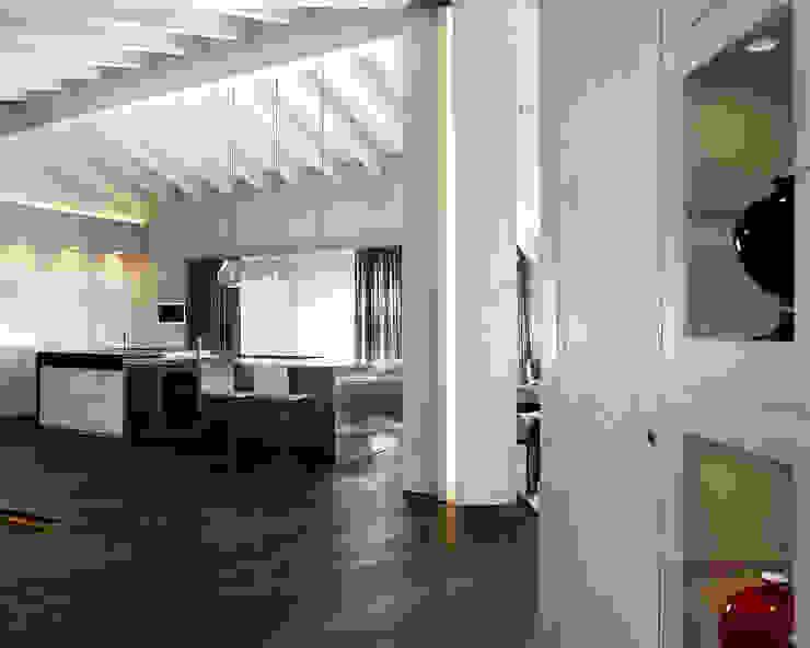 Couloir, entrée, escaliers modernes par Studio d'Architettura MIRKO VARISCHI Moderne