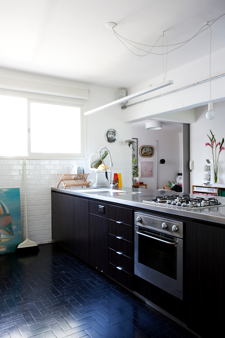 ANTONIO CARLOS RESIDENCE Mauricio Arruda Design Kitchen