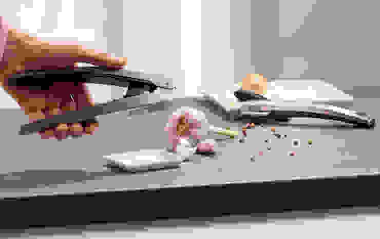 Knoblauchpresse im kompakten Design! von Wüsthof Dreizackwerk GmbH Ausgefallen