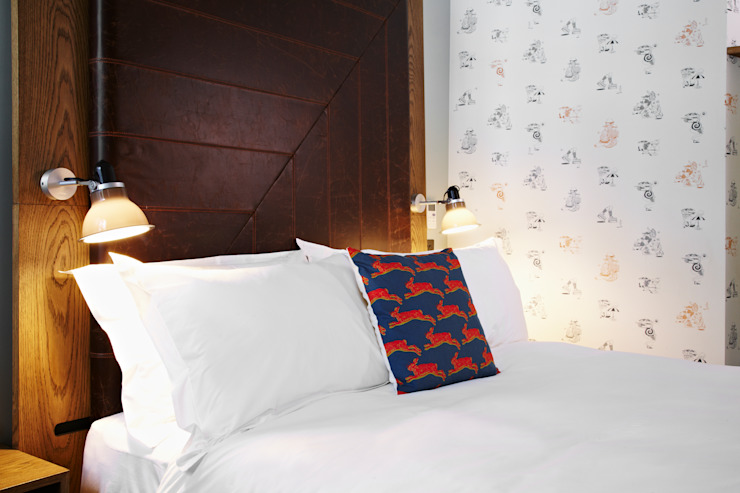 Hoxton Hotel, Holborn Modern style bedroom by Ennismore Modern