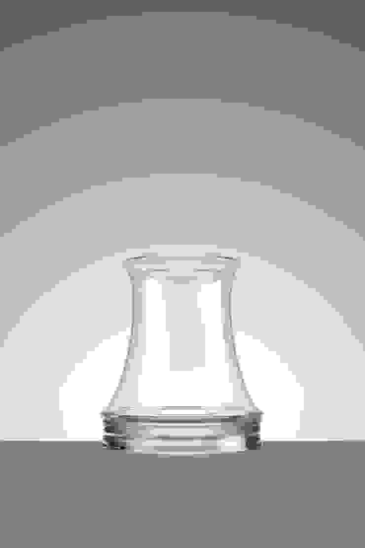 Whiskey van Hozan Zangana studio Minimalistisch