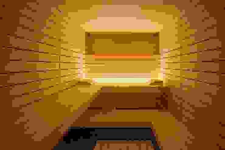 Design-Sauna à la corso: hell und einzigartig mit klaren Linien in heller Espe Skandinavischer Spa von corso sauna manufaktur gmbh Skandinavisch Holz Holznachbildung