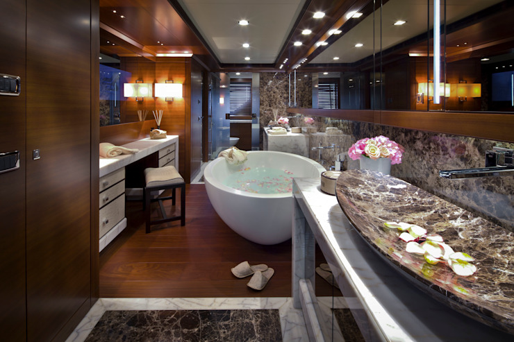 Yates y jets de estilo  de CRN SPA - YACHT YOUR WAY- , Mediterráneo