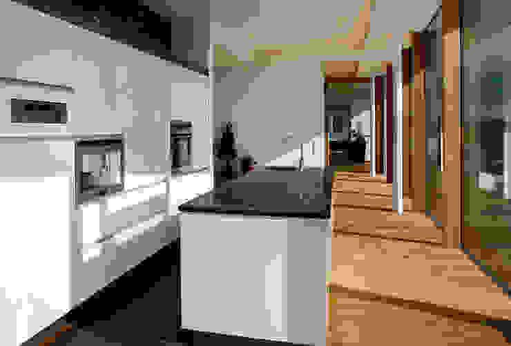 Küche, Eingang, Schlafen, Bad Moderne Häuser von Kaltenegger und Partner Architekten ZT GmbH Modern
