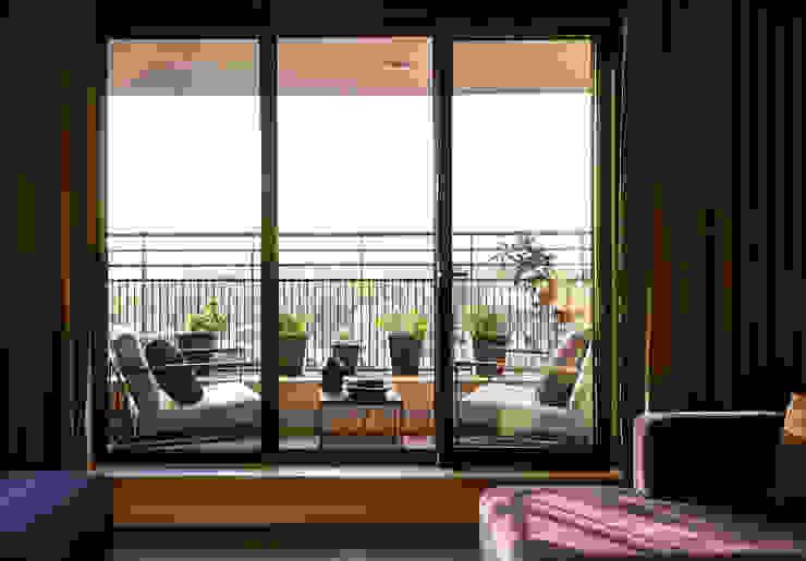 Balcony, veranda & terrace by homify