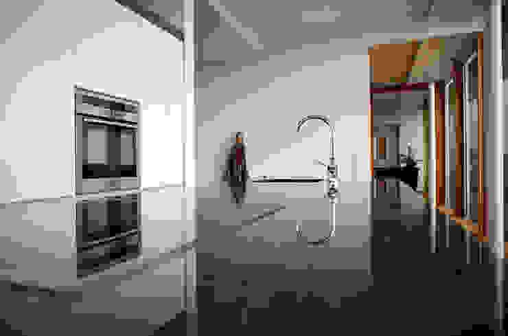 Detail Küche Moderne Häuser von Kaltenegger und Partner Architekten ZT GmbH Modern