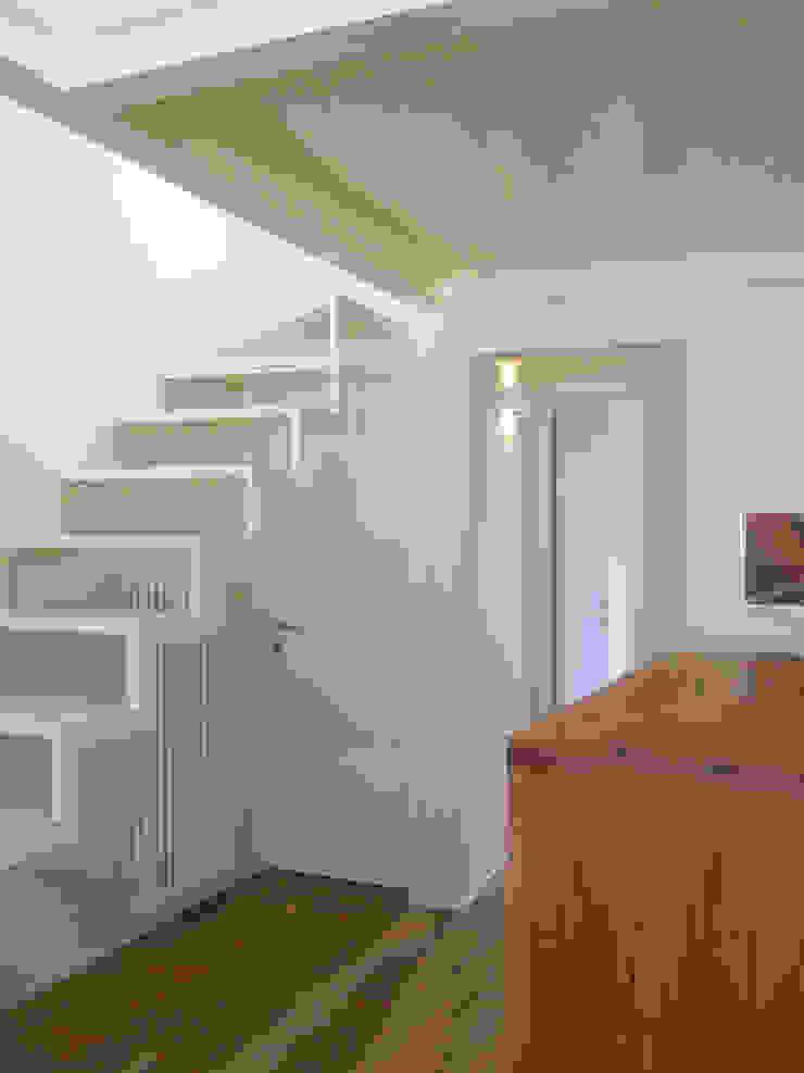 casa Cerofolini Cucina minimalista di architetto alessandro condorelli Minimalista