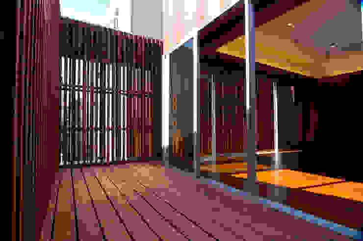 2階 モダンデザインの リビング の 仲摩邦彦建築設計事務所 / Nakama Kunihiko Architects モダン