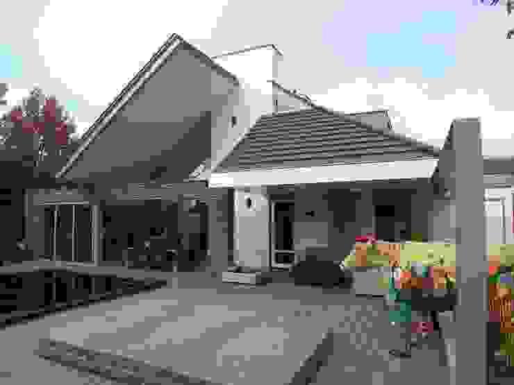 сучасний  by EIKplan architecten BNA, Сучасний