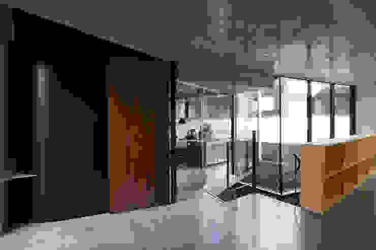 House-O モダンデザインの リビング の 株式会社 大藪元宏建築研究所 モダン