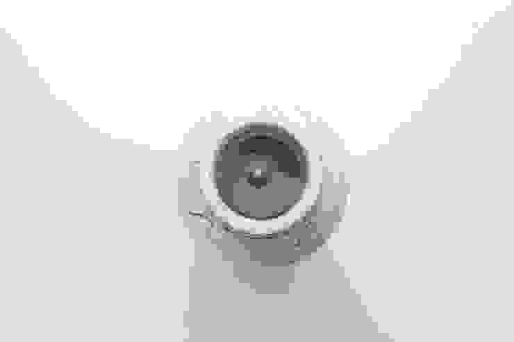분청사기철화어문항아리 향초: 비비스토리의 아시아틱 ,한옥
