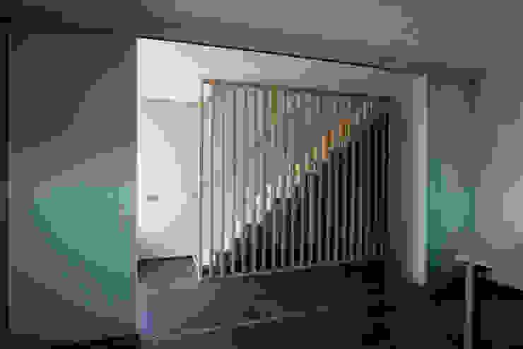 Ingresso & Corridoio in stile  di Groeneweg Van der Meijden Architecten