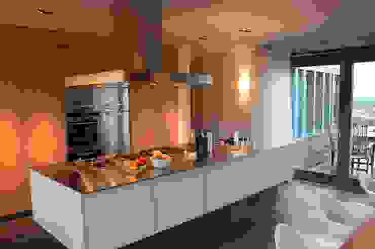 Woonhuis Joosse Moderne keukens van Groeneweg Van der Meijden Architecten Modern
