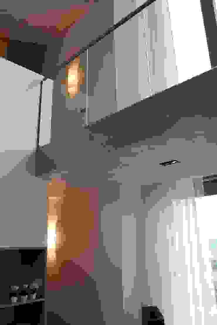 Woonhuis Joosse Moderne gangen, hallen & trappenhuizen van Groeneweg Van der Meijden Architecten Modern