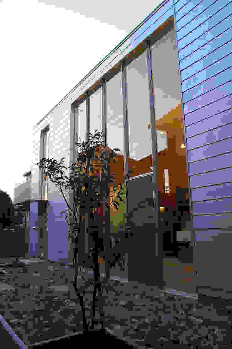 Modern Houses by 株式会社梁建築設計 Modern