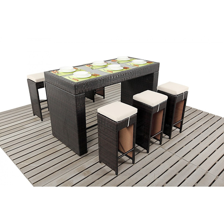 Bonsoni Bar - Consists Of a Large Glass Top Bar and Six Bar Stools With Cushions To Maximise Comfort Rattan Garden Furniture de homify Mediterráneo