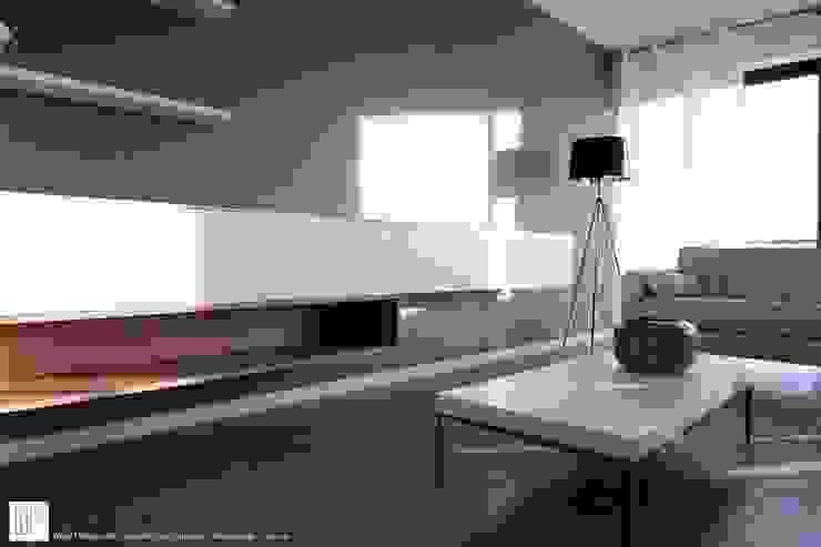 Appartement à Cannes meublé entièrement par wm Salon moderne par ATELIER WM Moderne