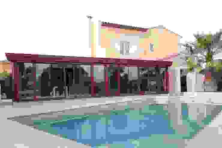 Extension de maison par une veranda Piscine moderne par ATELIER WM Moderne