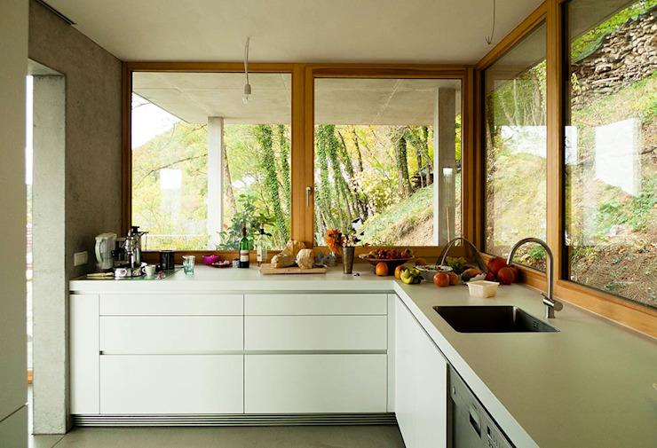 GIAN SALIS ARCHITEKT Modern kitchen