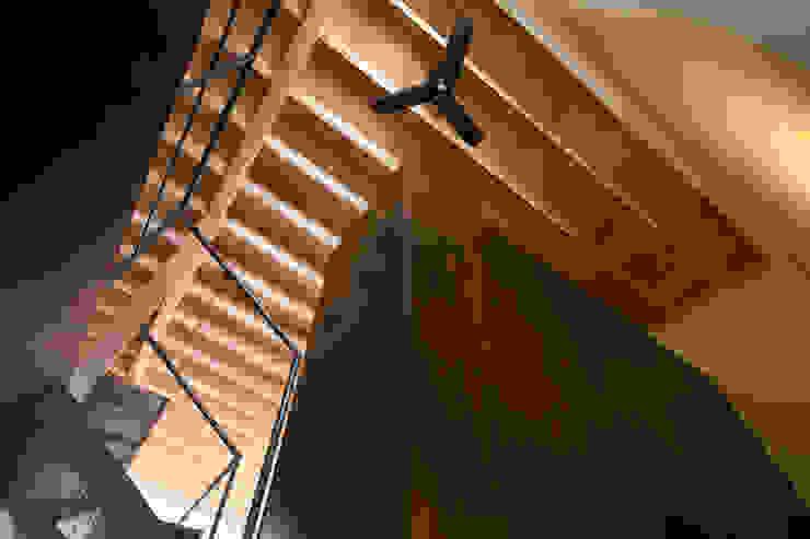 小和滝の家 モダンスタイルの 玄関&廊下&階段 の 前原尚貴建築設計事務所/Naotaka Maehara Architectural Design Office モダン