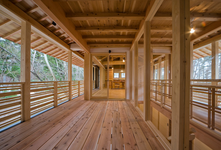 Rumah oleh 大角雄三設計室, Skandinavia Kayu Wood effect