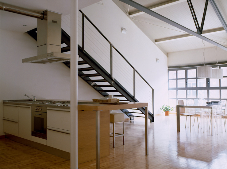 Industrial style corridor, hallway and stairs by Paola Maré Interior Designer Industrial