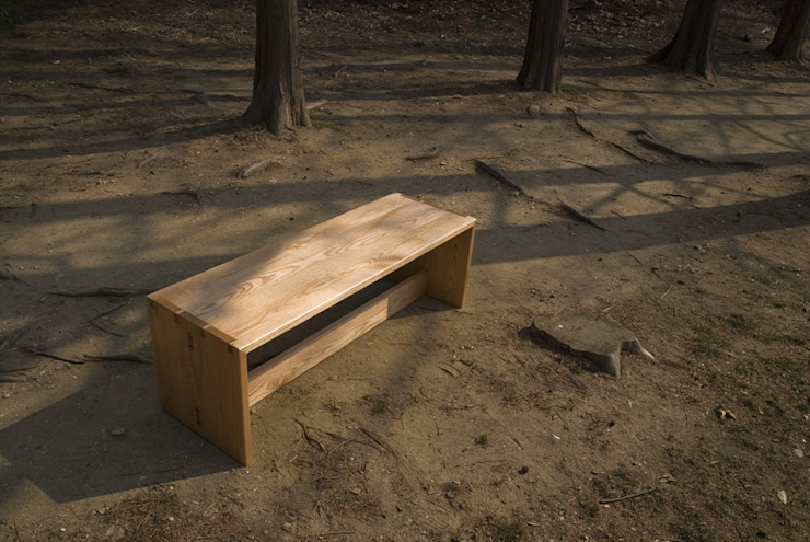 HELTH BENCH: Woodstudio MAUM의 현대 ,모던