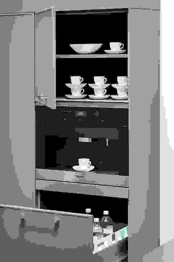 Integrated Coffee Machine par fit Kitchens Moderne