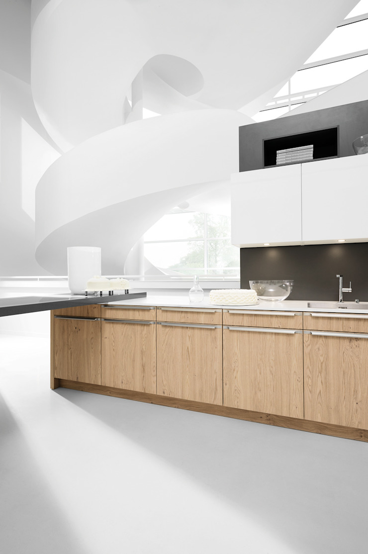 Mixing Styles can create extreme contrasts and bring a room to life par fit Kitchens Moderne