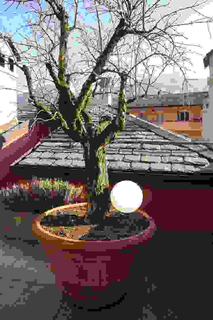 Modern Terrace by Studio di Architettura Manuela Zecca Modern