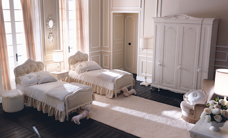 Borgo Pitti BedroomWardrobes & closets