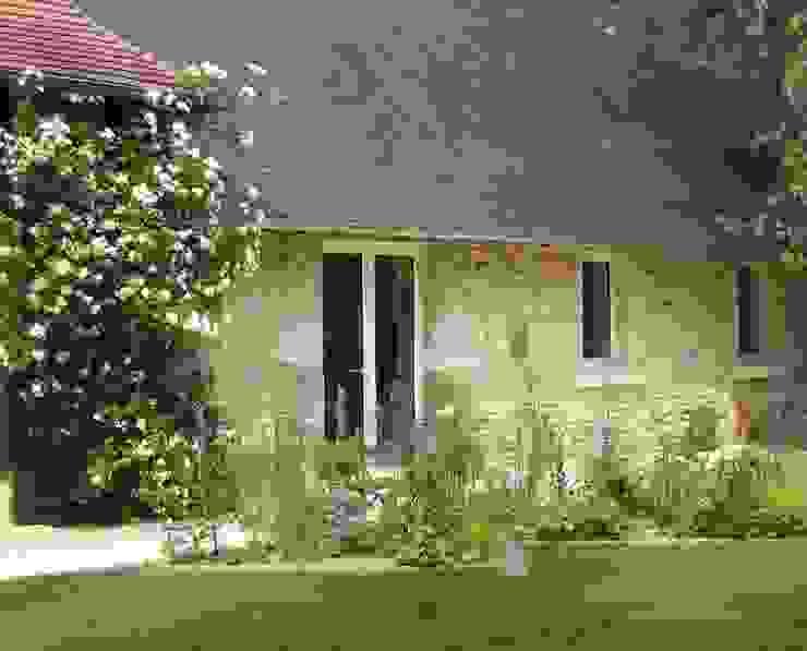Croissant 10 idées d'aménagement de jardins en façade ! | homify WA-28