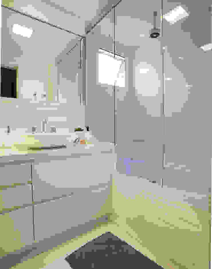 Banheiro 01 por Andréa Gonzaga Moderno