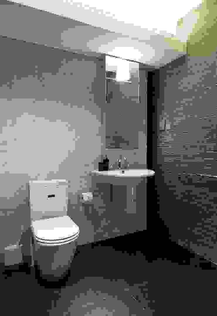 Interior bathroom Oleh Marmi di Carrara
