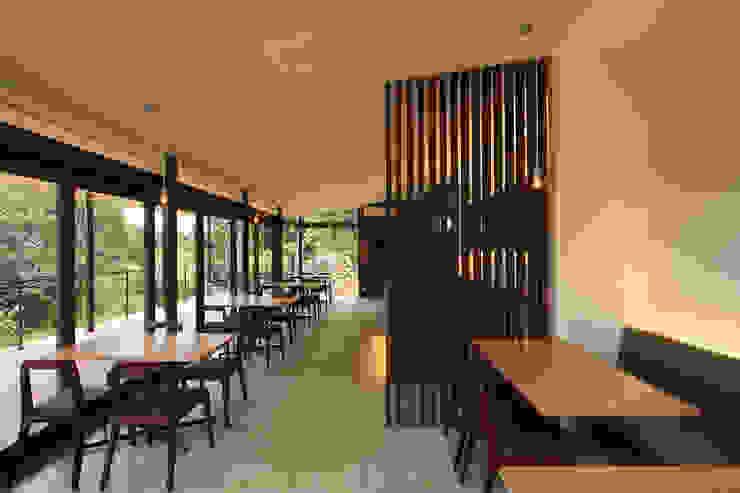 by InOUT architects/インアウトアーキテクツ Minimalist