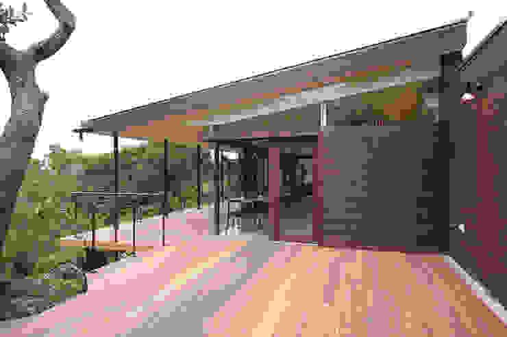 カフェ外観2 ミニマルな商業空間 の InOUT architects/インアウトアーキテクツ ミニマル