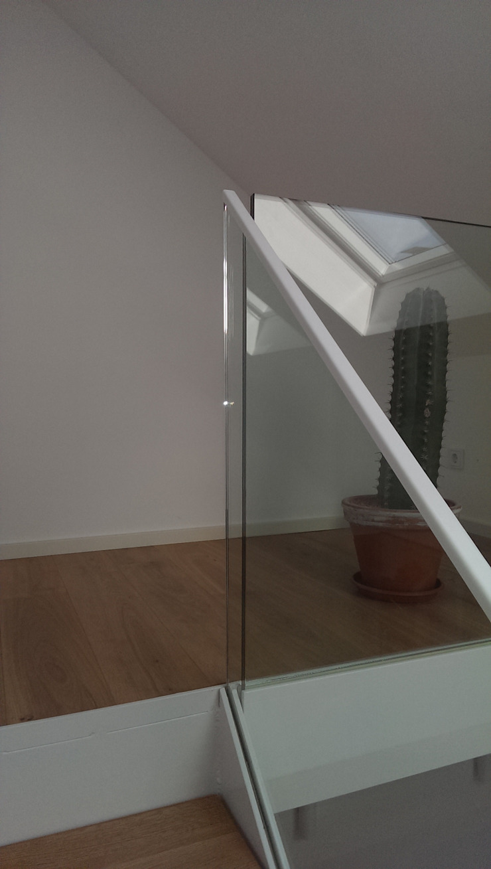 Treppenanlage Moderner Flur, Diele & Treppenhaus von fischerarchitektur Modern