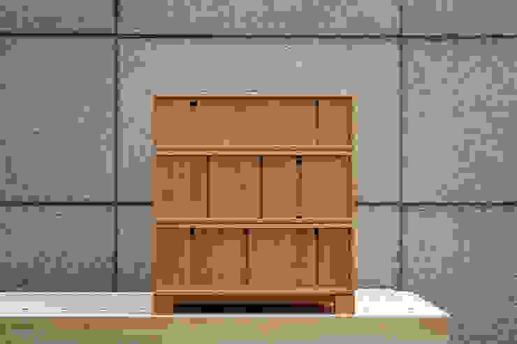 OAK DRAWER – LAYER: Woodstudio MAUM의 현대 ,모던