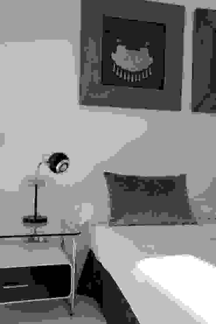 Apartamento Ibiza Dormitorios de estilo moderno de Isa de Luca Moderno