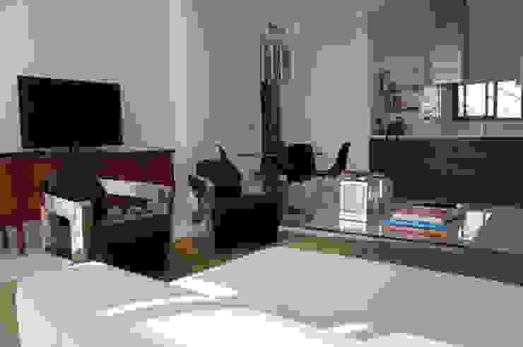 Apartamento Ibiza Comedores de estilo moderno de Isa de Luca Moderno