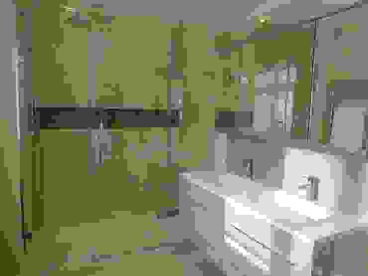 Bathgate Bathroom Bathroom by Rachel Angel Design