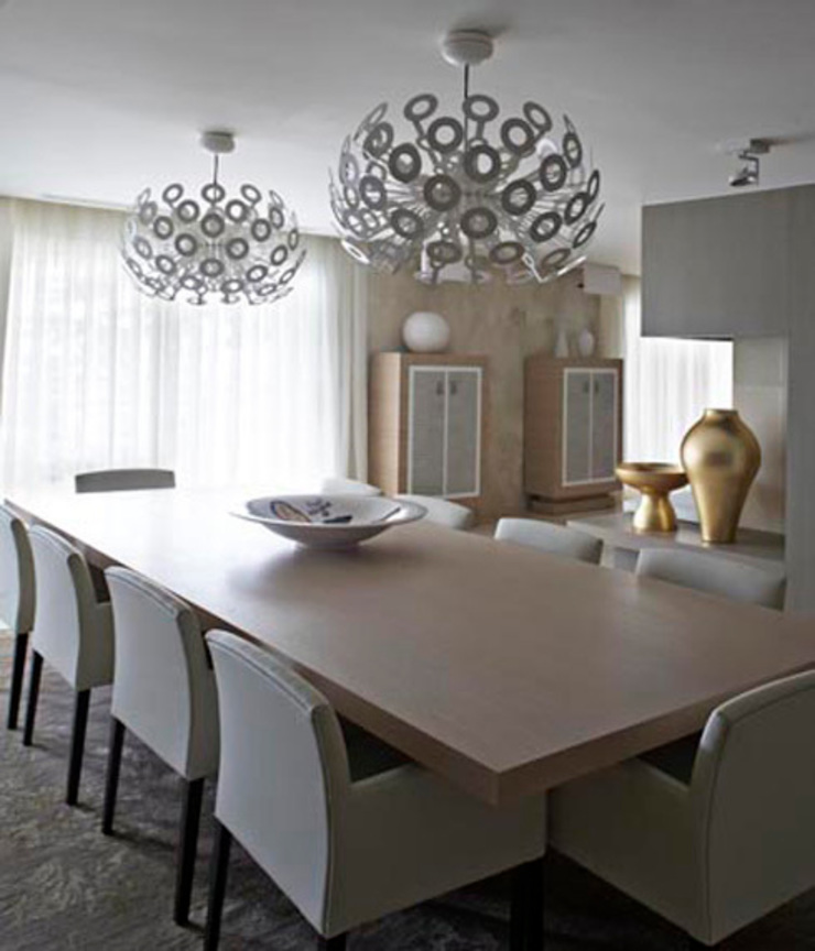 Interiorismo casa en Sitges Comedores de estilo moderno de Isa de Luca Moderno