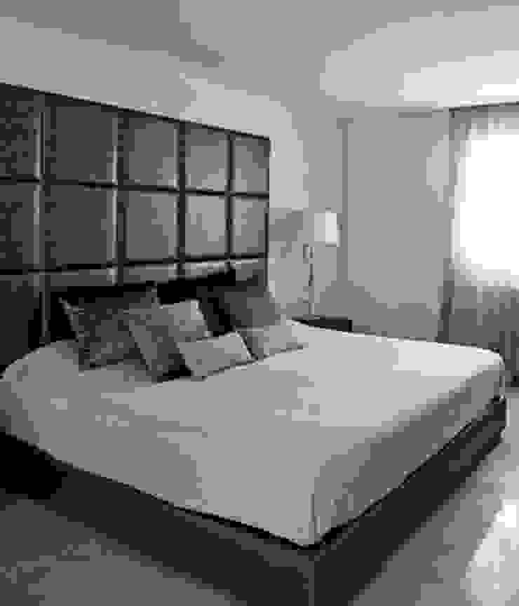 Interiorismo casa en Sitges Dormitorios de estilo moderno de Isa de Luca Moderno