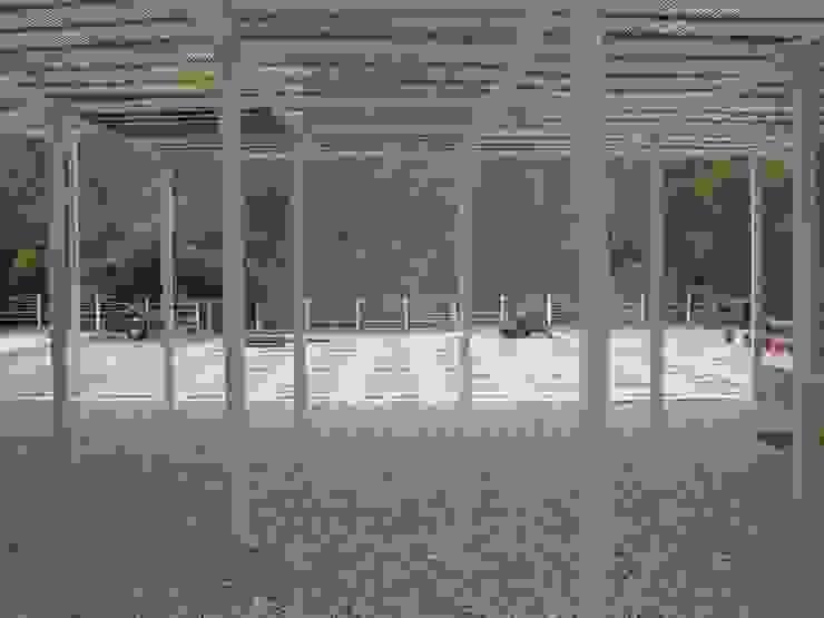 ATALI - GANGA by RLDA Studio Modern