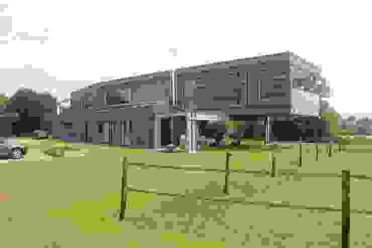Woonhuis Ureterp: modern  door Architectenburo MA2, Modern