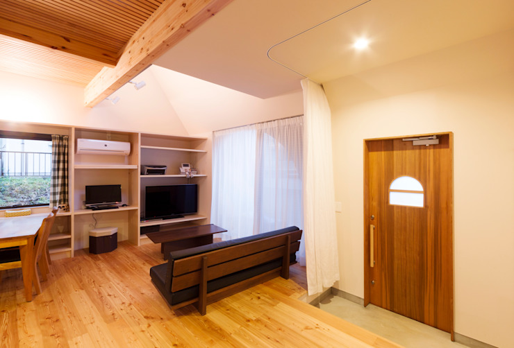 /SLASH オリジナルな 家 の 株式会社間宮晨一千デザインスタジオ オリジナル