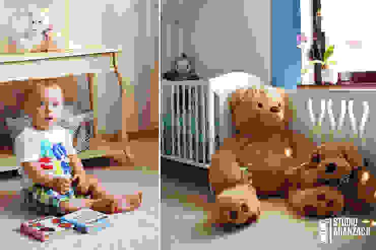 Classic style nursery/kids room by Studio Aranżacji Agnieszka Adamek Classic