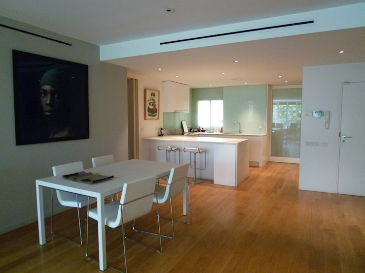Cocinas modernas de Maroto e Ibañez Arquitectos Moderno