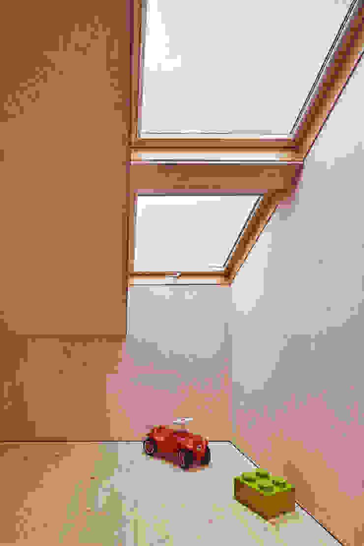 Haus Feurstein Kinderzimmer von Innauer-Matt Architekten ZT GmbH